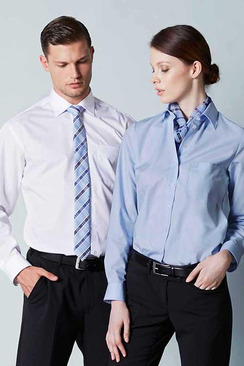 Hemd_weiß_Bluse_Tuch_Krawatte