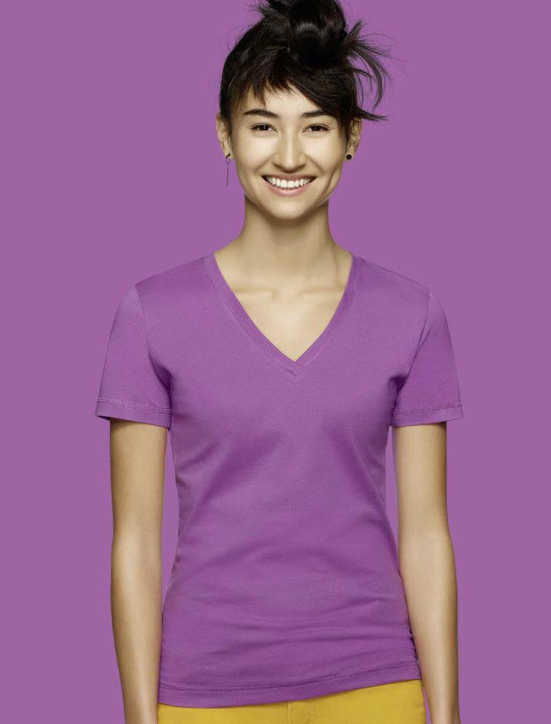 lila V-Neck Shirt