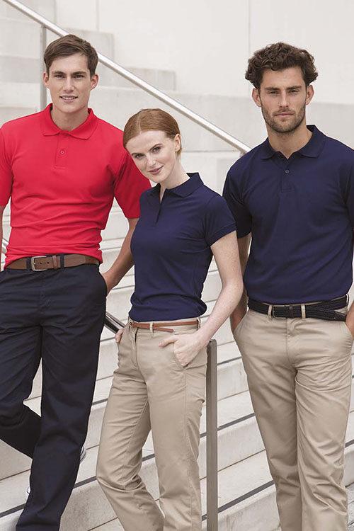 Messebekleidung Poloshirts und Chinohosen für Damen und Herren