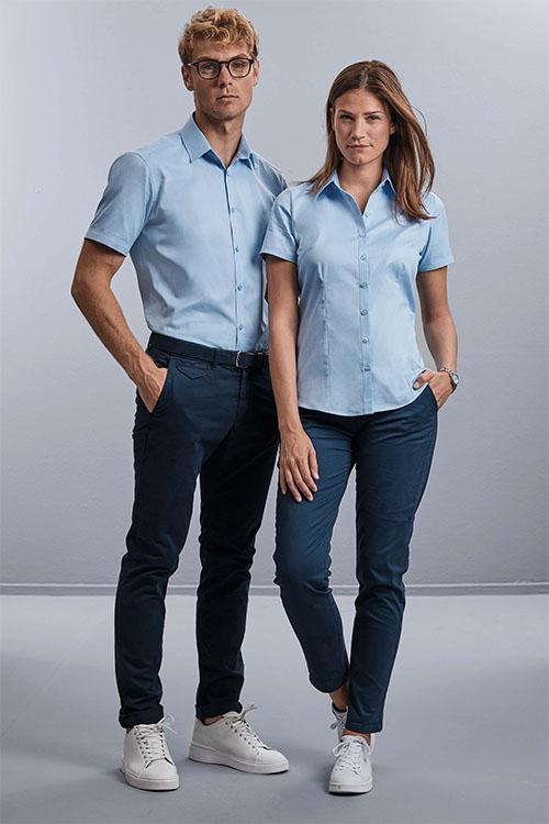 Messebekleidung kurzarm Hemden und Blusen hellblau, Jeans
