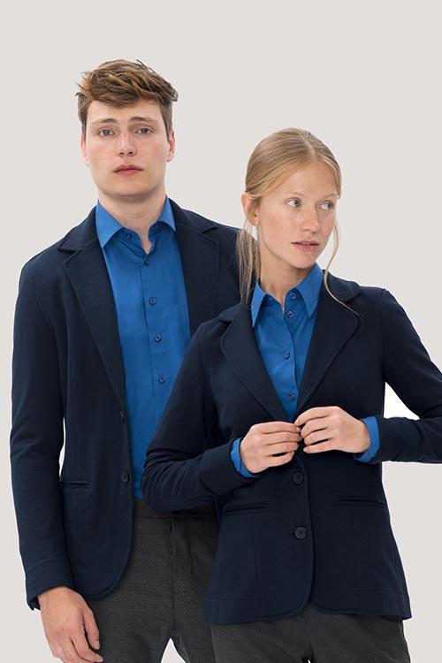 Hotel-Uniform Sweatblazer, Hemden und Blusen