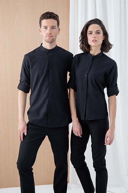 Hotelbekleidung Rezeption Stehkragenhemden und Stehkragenblusen in schwarz, schwarze Hosen