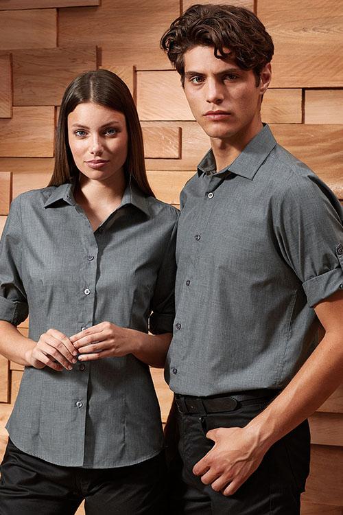 Berufsbekleidung Fitnessstudio Hemden und Blusen besticken lassen Anthrazitfarbene Popeline Hemden und Blusen mit Krempelärmel