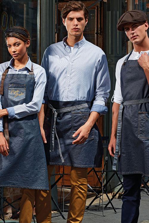 Berufsbekleidung Gastronomie Waxed Denim Schürzen, hellblaue Hemden und Blusen, Chino-Hosen