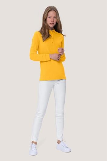 Berufsbekleidung Zimmermädchen gelbes Langarmpoloshirt HAK215 mit weißer Stretchhose HAk720