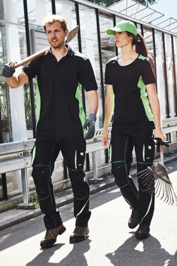 Arbeitskleidung Gärtnerei Poloshirt JN858, T-shirt JN859 und Arbeitshosen JN847 in schwarz hellgrün mit grüner Basecap MB024