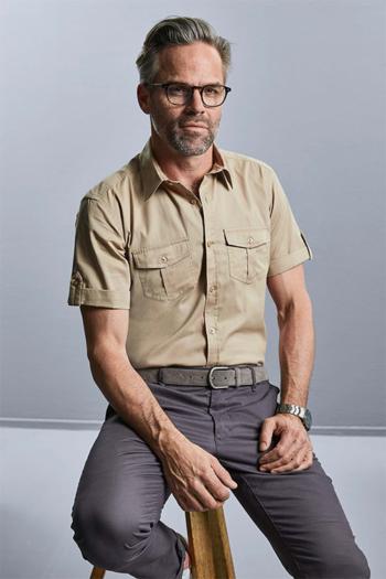 Berufsbekleidung Verkehrsbetriebe Kurzarmhemd in khaki mit 2 aufgesetzten Taschen Z919