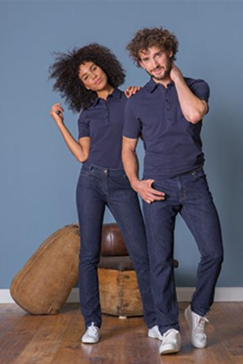 Corporate Fashion hochwertige Poloshirts GR-6681 in marine mit Jeanshosen in blue denim Gr-1377