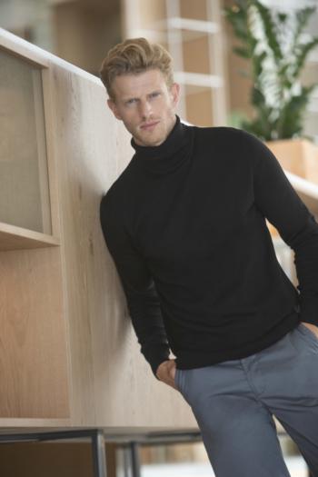 Mitarbeiterbekleidung Rollkragenpullover für Herren in schwarz H727