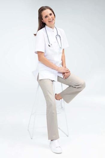Berufsbekleidung Arztpraxis DAMEN-KASACK mit Stehkragen, kurzarm und verdeckter Druckknopfleiste GR-5106