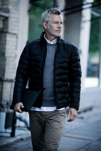 Jacken besticken moderne Herren Daunenjacke Sierra in schwarz