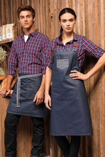 Serviceschürzen karierte Bluse und Hemd in rot/blau PW356/256 mit Schürzen im Waxed Look PW135/136