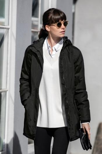 Nimbus Jacke Avondale ist unser luxuriöser Damen Winterparka im modernen Business-Look