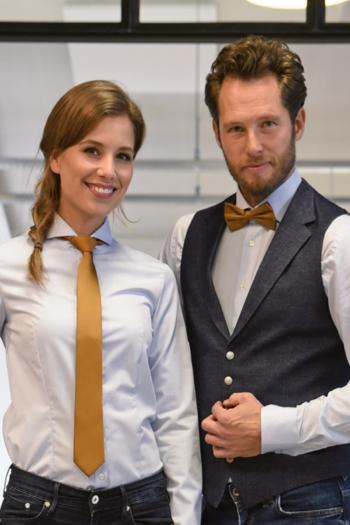 Messebekleidung Krawatten und Fliege in vielen verschiedenen Farben