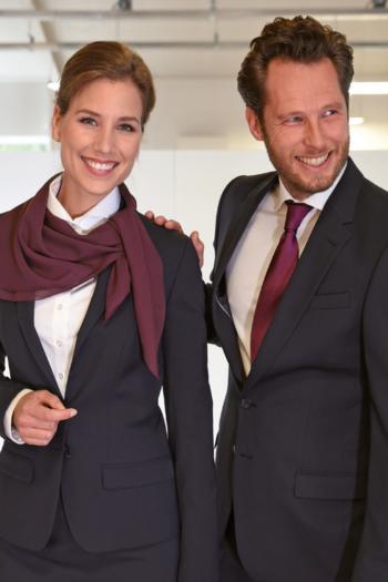 Krawatten und Halstücher Polyester Halstuch JB68 und schmale Polyester Krawatte JBL418 in bordeaux