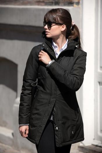 Nimbus Jacke extra lange Damen Winterjacke Mapleton im skandinavisch inspiriertem Design in schwarz